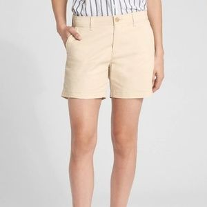 "GAP Cream 5"" City Shorts in Twill"